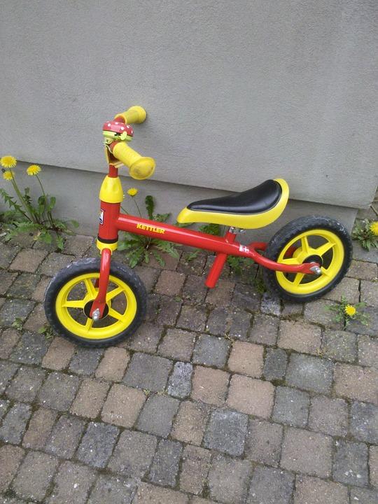 Lauf- und Fahrräder für 4 bis 5 Jährige gesucht