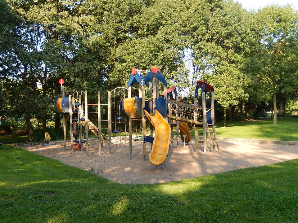Spielplatz für den Kindergarten in Dalmand (Partnergemeinde in Ungarn)